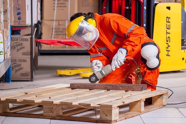 Workwear - Arbetskläder för professionella hantverkare - Profilprodukter24