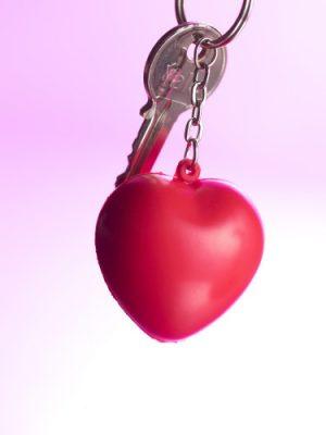 Anti-stress figur nyckelring med hjärta